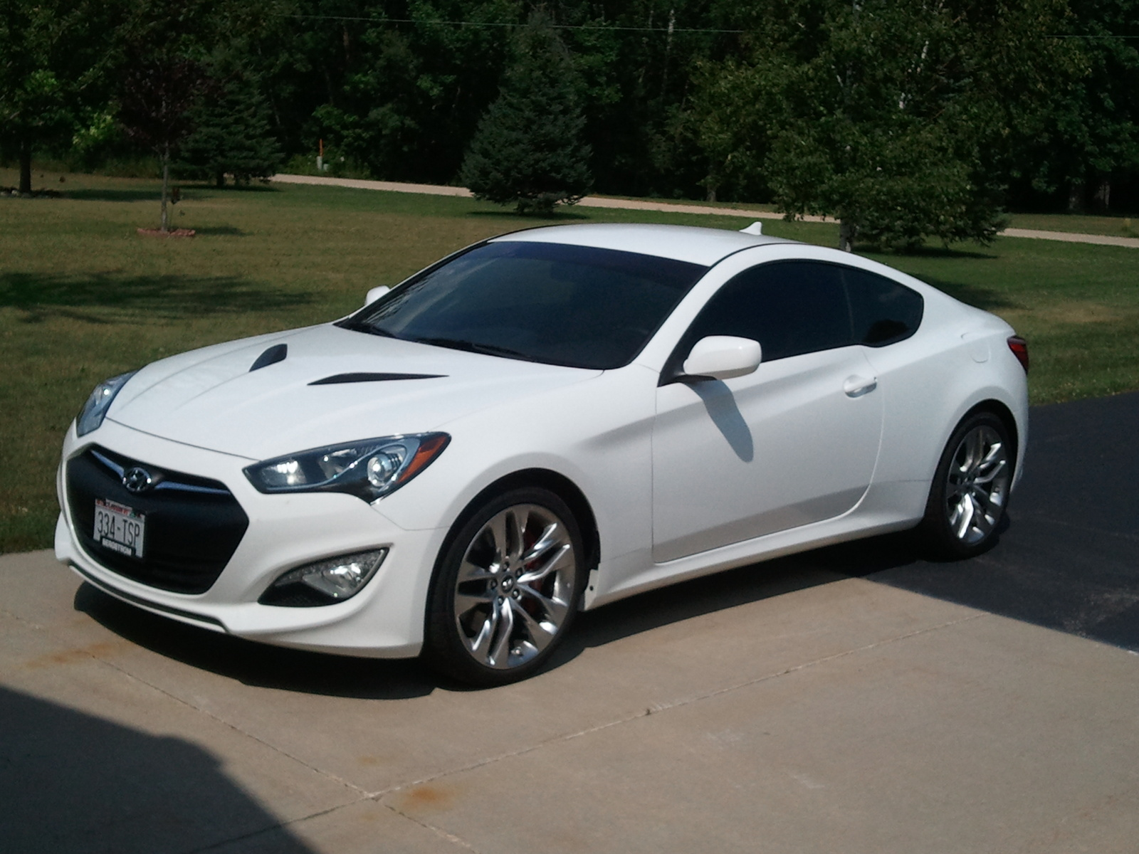 Hyundai Genesis Coupe: Driving Experience to Challenge the Competing