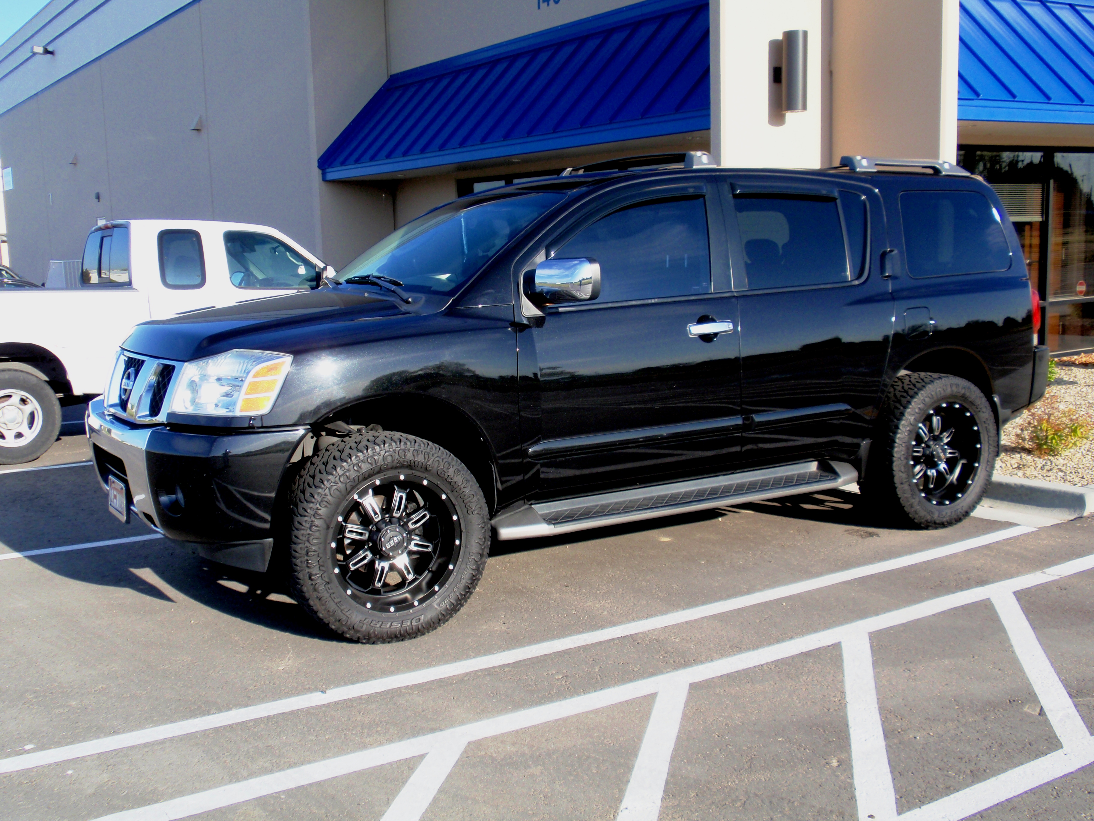feel a wide range of remarkable facilities by travelling in nissan armada. Black Bedroom Furniture Sets. Home Design Ideas