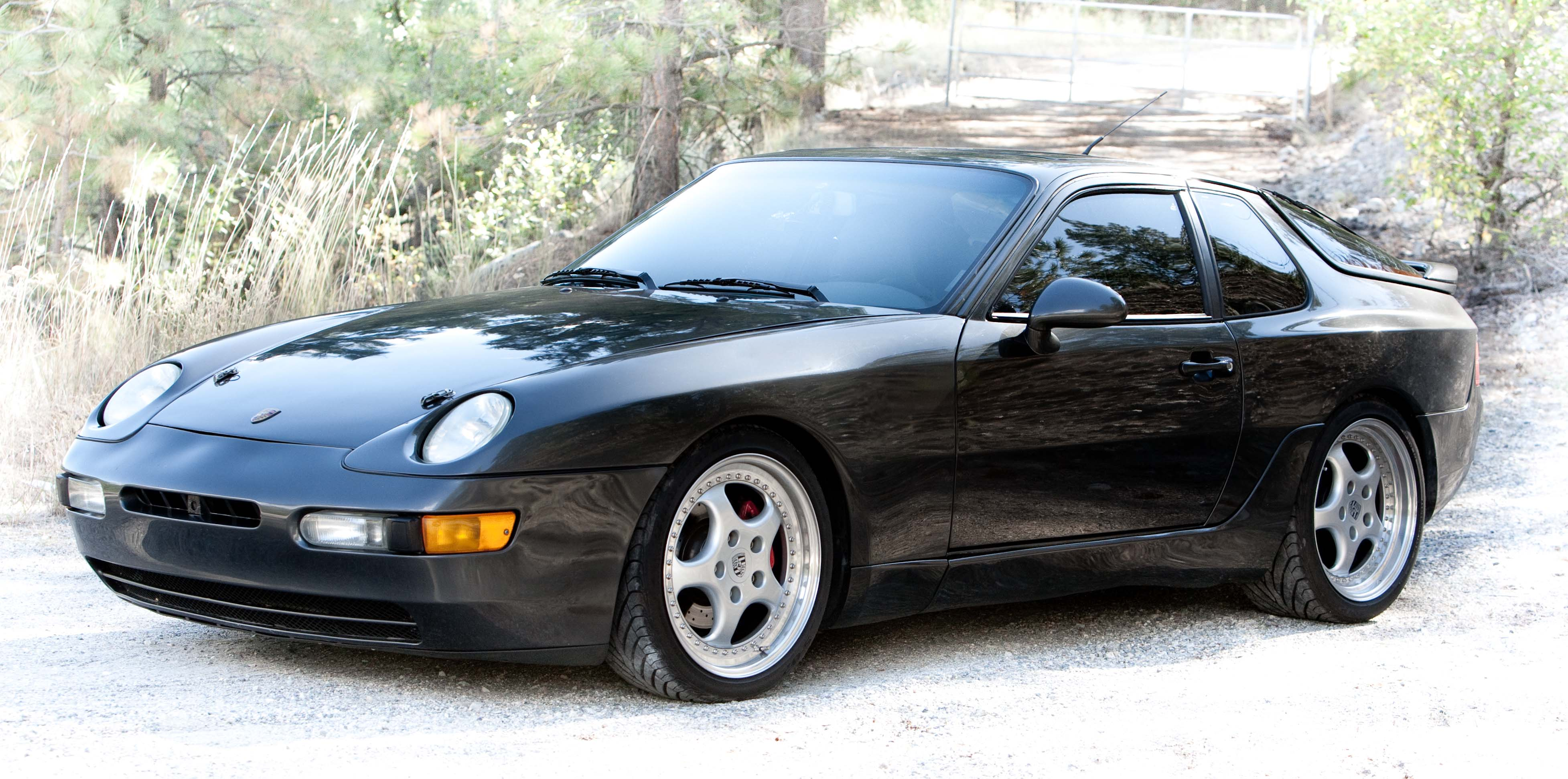 have a safety drive with porsche 968