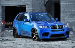 The design aspects contributing to the fashionable look of the BMW X5 M