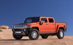 HUMMER H3T debuting a four-door crew-cab version