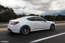 Hyundai Genesis Coupe: Driving Experience to Challenge the Competing Odds