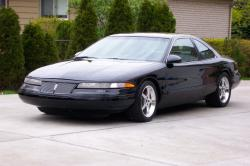 Lincoln Mark VIII: Distinctive Features And Attractive Color Choices In New Touring Vehicle