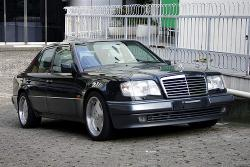Mercedes-Benz 500-Class: high Class of the Millennium Cars