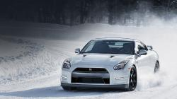 Buy Nissan GT-R For Your Family And Get Luxury Travel