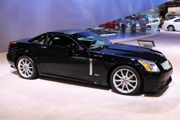 A Deep Glance On Cadillac XLR-V In Terms Of Exterior And Interior Specifications