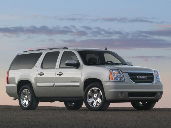 Enjoy Quiet and Smooth Travelling By Using GMC Suburban